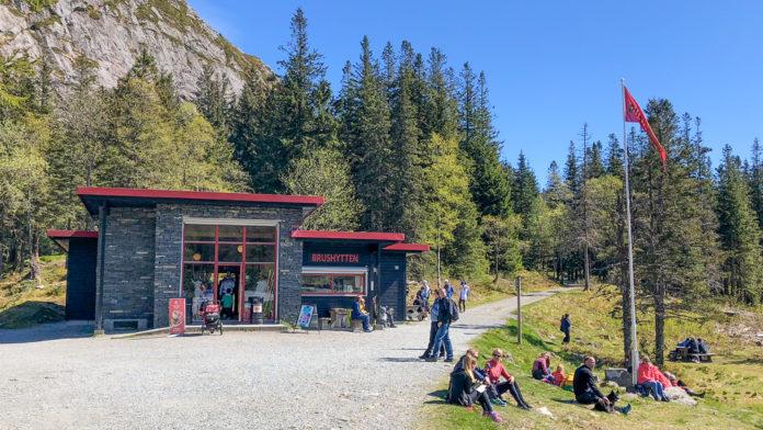 Norge Bergen - Søndagstur til Brushytten på Fløyen