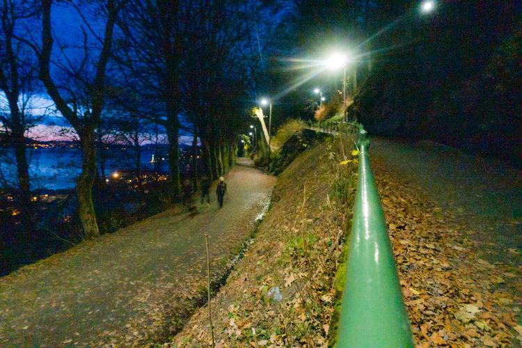 Norge Bergen – Spennende turer på byfjellene med hodelykt