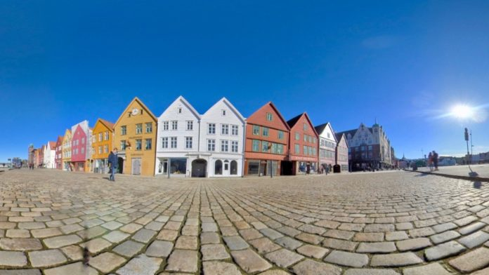 Norway Bergen - Bryggen Stroll in Sunshine